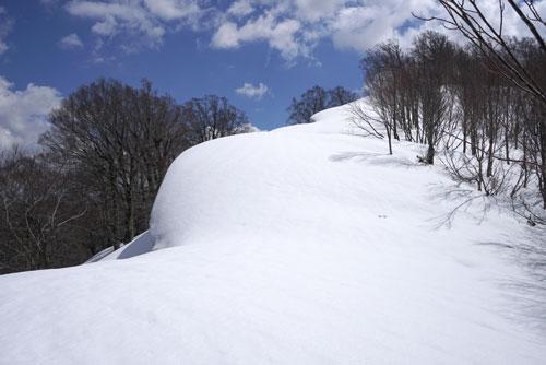 2019年4月13日 神室山のパノラマ尾根を第一ピークまで